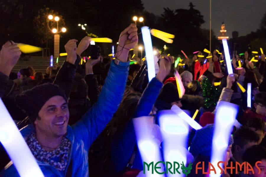 Flashmob - partecipanti a Merry Flasmas